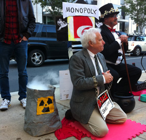 Protesters flock to uptown for Duke Energy shareholders meeting – Mecklenburg Times: News for ...