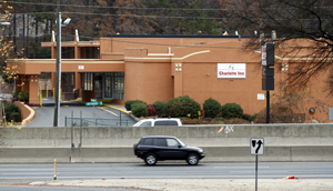 The city of Charlotte on April 30 is set to buy Charlotte Inn. Demolition will follow. Photo by Nell Redmond)